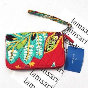Vera Bradley Bags - Vera Bradley Rumba Quilted Zip Grab & Go Wristlet